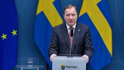 Die «richtigen Massnahmen zur richtigen Zeit» will Schwedens Regierungschef Stefan Löfven verhängen. Jetzt wird erstmal alles verschärft. (Bild: Getty Images)