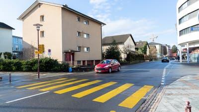 Diese Häuserzeile an der Buonaserstrasse soll den neuen Gebäuden weichen. (Roger Zbinden (Rotkreuz, 18. Januar 2020))