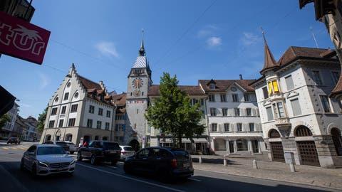 Stadt Zug: Ansicht der Stadt vom Kolinplatz aus Richtung Zytturm. -------(Bild: Stefan Kaiser, Zug, 14. Juli 2020) (Stefan Kaiser (zz) / Zuger Zeitung)