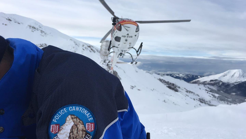 Bergunfall im Wallis: Ein Bergführer stürzte ab und konnte nur noch tot geborgen werden. (Kapo Wallis)