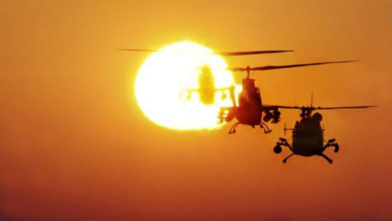 Eine der bekanntesten Filmszenen, die mit Richard Wagners Musik unterlegt ist: Der Angriff mit US-Helikoptern auf ein vietnamesisches Dorf, das aus Lautsprechern beschallt wird mit dem Schlachtruf der berittenen Geisterwesen aus der Oper «Die Walküre». (Bild: Alamy)