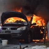 Das Auto sollte aufgeladen werden, als es zu brennen begann. (Kapo SO)