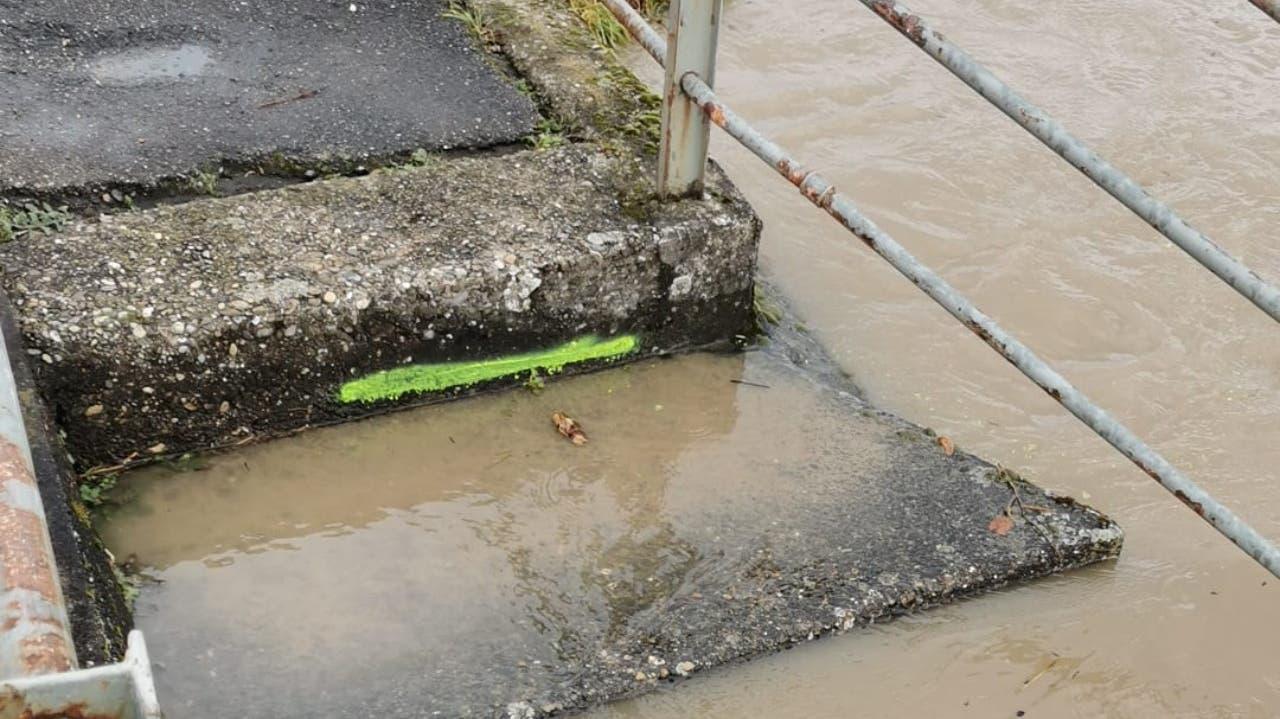 Aufgrund der anhaltenden Niederschläge sowie der Schneeschmelze der letzten Tage gilt im Kanton Aargau erhöhte Hochwassergefahr.