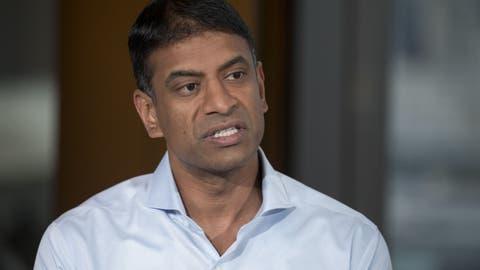 Der 44-jährige Vas Narasimhan ist aktiv auf verschiedene Firmen zugegangen, um ihnen Hilfe bei der Impfstoff-Produktion anzubieten. (BLOOMBERG)