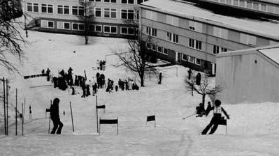 Die Geländeverhältnisse am Herrenhügelgalten für einen Skilift (rechts) als «nicht ideal». (Bild: Archiv Stiftung Don Bosco (undatiert))