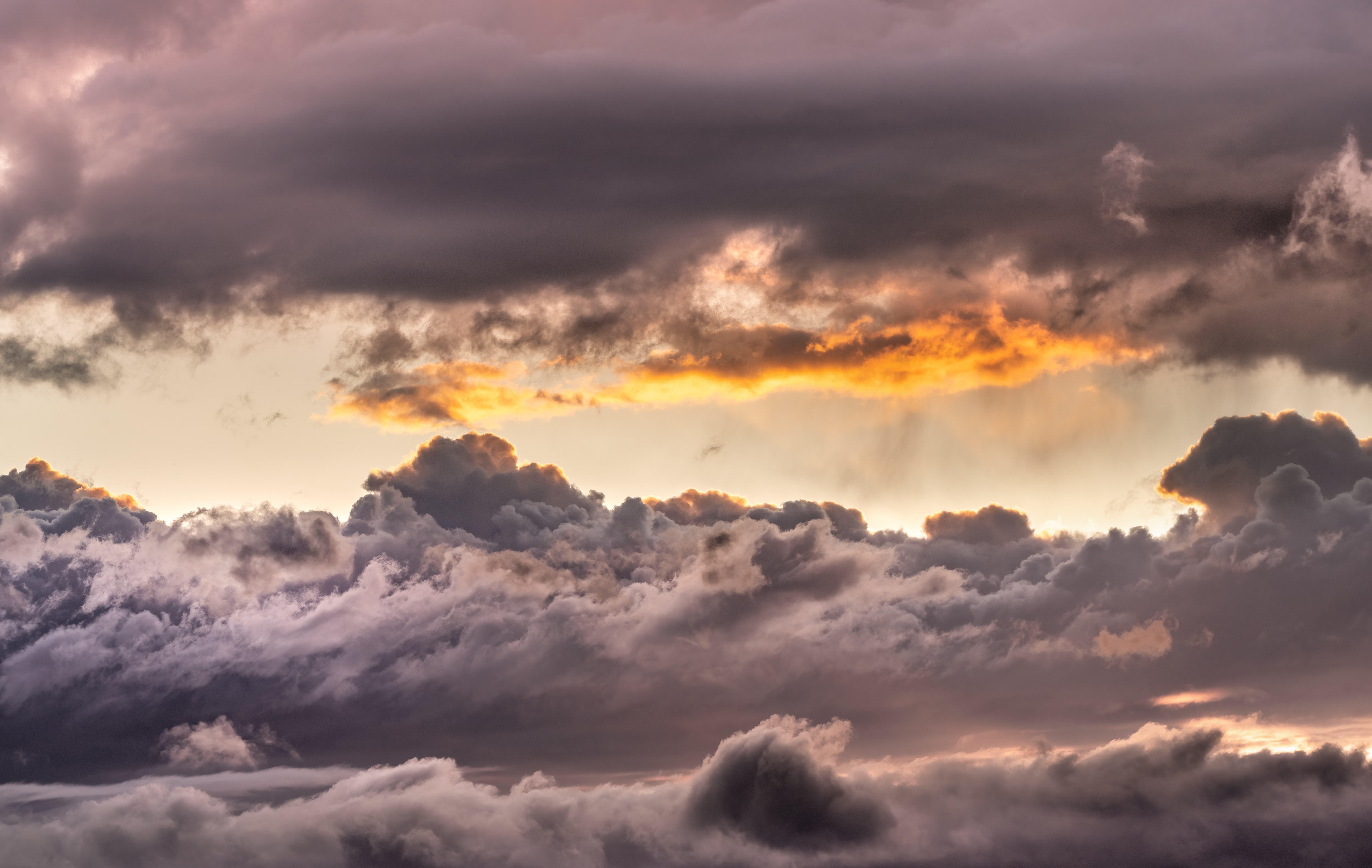 In den Wolken.