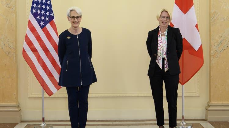«Intensiver und vielfältiger bilateraler Dialog auf hochrangiger Ebene:»Wendy Sherman (l.) und Livia Leu (Keystone)