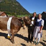 Miss Wildhaus, Biver Senta mit Besitzer Peter Frei und Ehefrau Fabienne. (Bild: Adi Lippuner)