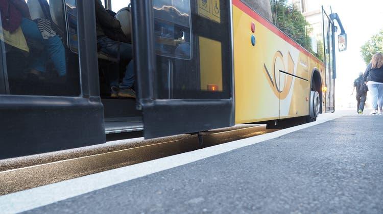 In Eiken ist die Haltestelle Poststrasse schon barrierefrei umgebaut worden. (Hans Christof Wagner)