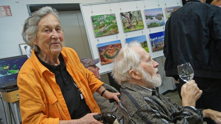 Vernissage zum 95. Geburtstag desFotoclub Dietikon: Stadtpräsident Roger Bachmann outet sich als Fotofan