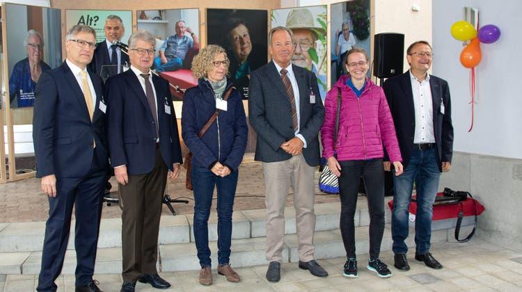 Der Stiftungsrat mit (v.l.) Daniel Räber, André Stierli, Luzia Küng, Urs Hoppler, Beatrice Abbondanza und Pius Schaller freute sich sichtlich. (Verena Schmidtke)