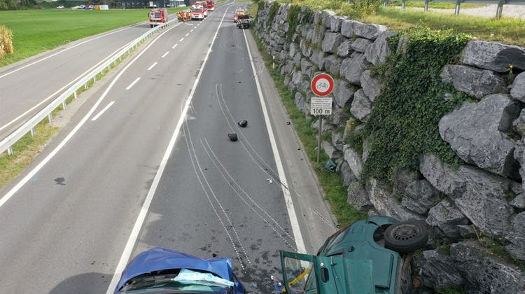 Bei einem Unfall in Malans haben sich mehrere Personen verletzt. Ein 14-Jähriger starb. (Kapo GR)