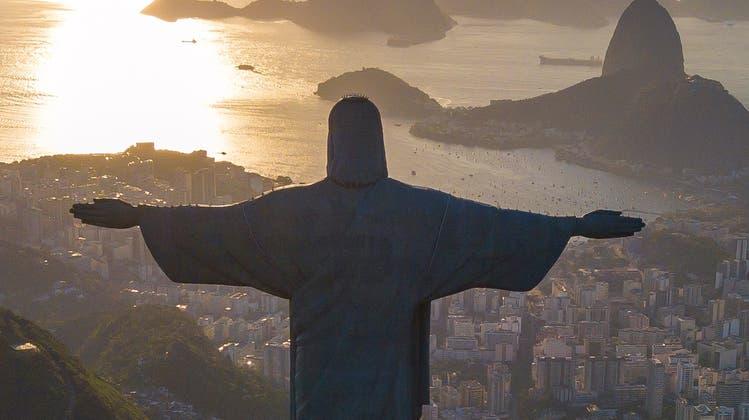 Gigantisch: Der Cristo Redentor thront seit 90 Jahren hoch über Rio. (Getty)