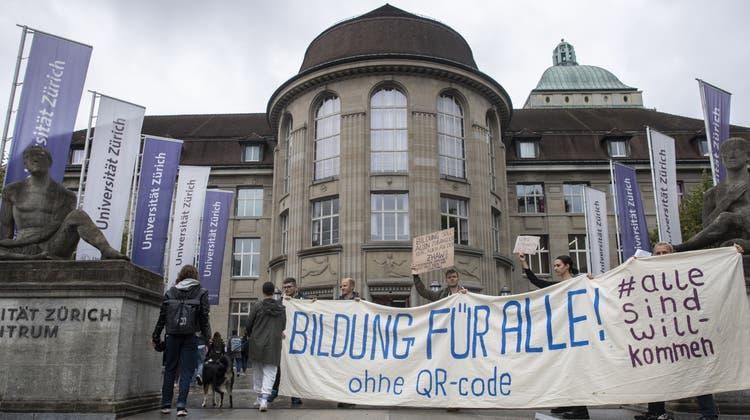 Im September demonstrierten Studierende gegen die Zertifikatspflicht an den Zürcher Hochschulen. (Archivbild) (Ennio Leanza)