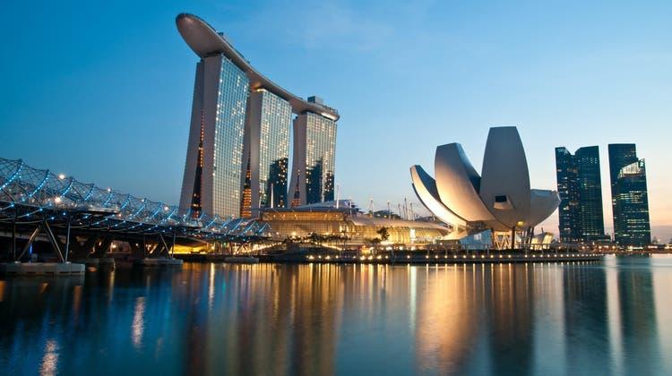 Der asiatische Stadtstaat Singapur hat mit mehreren Ländern Abkommen geschlossen, um Flüge mit nur geimpften Passagieren am Bord organisieren zu können. Vor der Pandemie führte auch die Swiss regelmässig Passagierflüge ins Land durch.