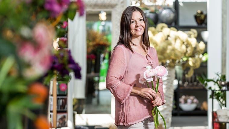 Meisterfloristin Olivia Hoffmann lädt ab 19. November zur Adventsausstellung im Gartencenter in Unterengstringen. (Sandra Ardizzone)