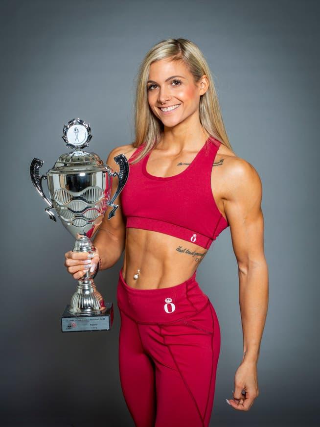 Belinda Achermann wurde 2019 Schweizermeisterin und Gesamtsiegerin in der Kategorie Figuren Klasse im Natural Bodybuilding.