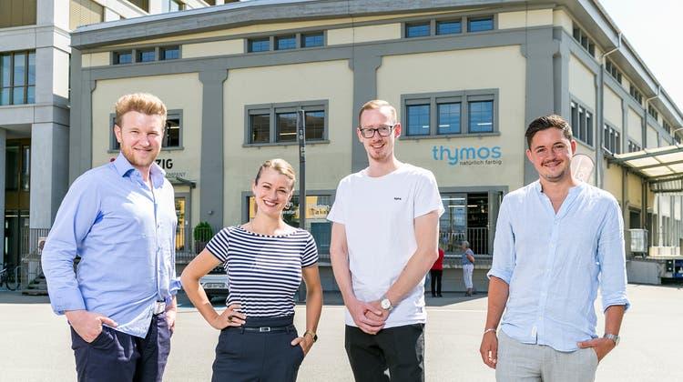 Felix Bertram mit dem künftigen «Skin's»-Team: Rebecca Schwörer (Restaurantleiterin), Kevin Romes (Küchenchef) und Pascal Hobler (Souschef, v.l.n.r.). (Sandra Ardizzone / LZB)