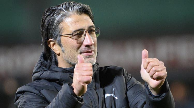 Zufrieden mit den Siegen der letzten Woche: Nati-Trainer Murat Yakin. (Jean-Christophe Bott / EPA)