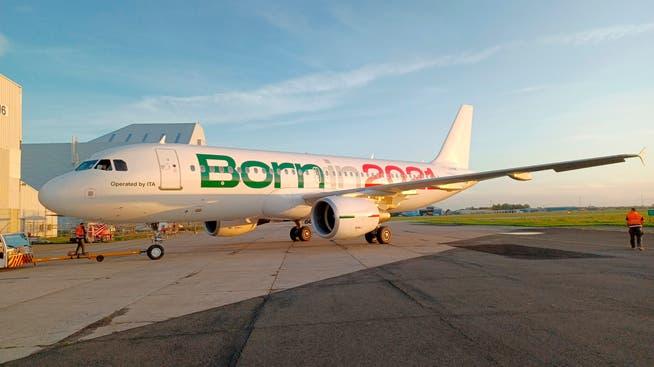 Dieser Airbus A320-200 wird nicht mehr unter dem Namen der Alitalia abheben, sondern unter dem der neuen Staatsairline Italia Trasporto Aereo (ITA).