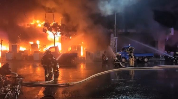 Mindestens 46 Tote bei Hochhausbrand