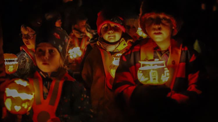 Ein vertrautes Bild: Räbeliechtliumzüge sind ein fester Bestandteil in den Veranstaltungskalendern der Gemeinden. (Symbolbild) (Gaby Kost)