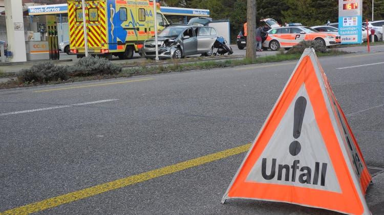 Mangel an Aufmerksamkeit führte zum Unfall: Der Verursacher wollte Busse nicht auf sich sitzen lassen. (Symbolbild) (at.)