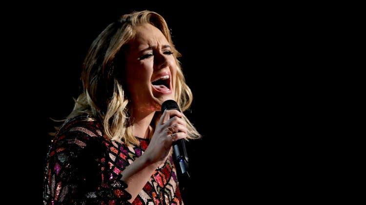 Adele bei einem Auftritt bei den MTV Music Awards 2017. (Keystone)