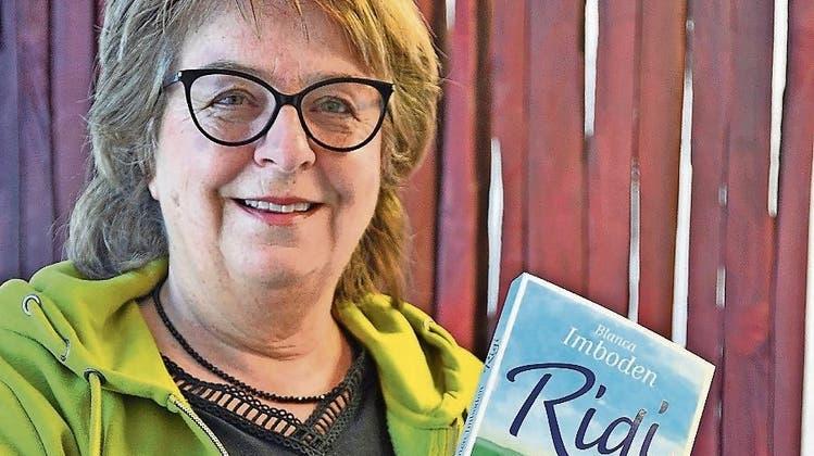 Blanca Imboden (58) feiert morgen auf der Rigi die Vernissage ihres «Rigi»-Romans. (Bild: Silvia Camenzind)
