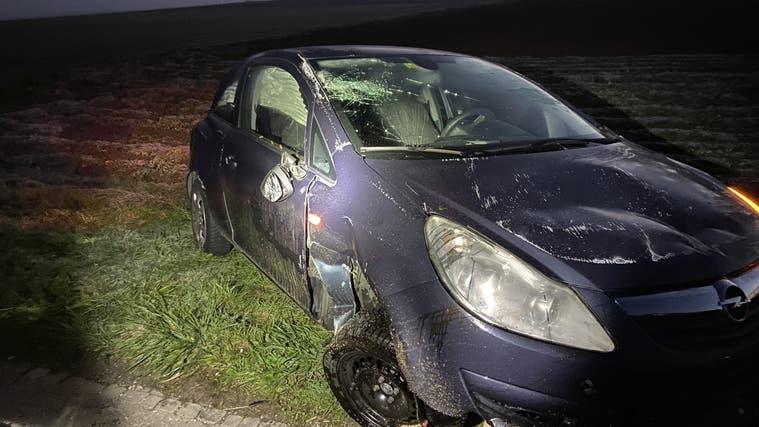 Die junge Frau bleibt unverletzt, der Opel erleidet Totalschaden. (Kapo AG)