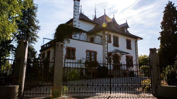 Historische Villa verkauft – «Wohnen im Park» mit altem Baumbestand vorgesehen
