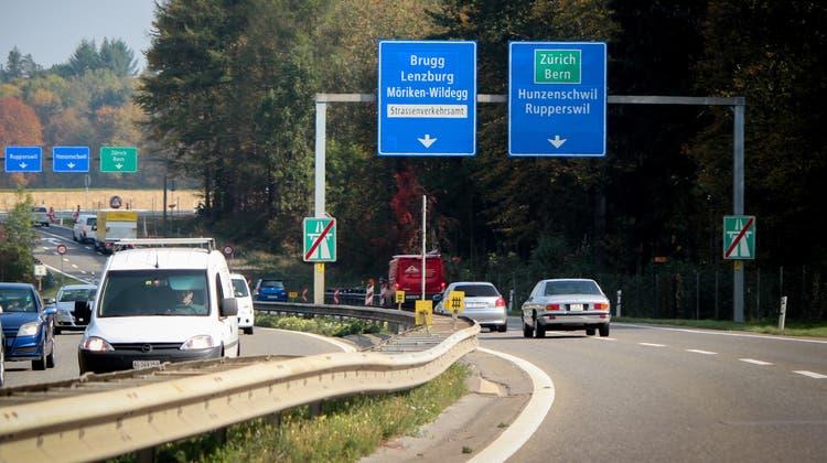 Der Unfall ereignete sich auf der N1R in Richtung Aarau. Hier auf dem Foto der Blick in die Gegenrichtung. (Symbolbild) (Archiv: Pascal Meier)