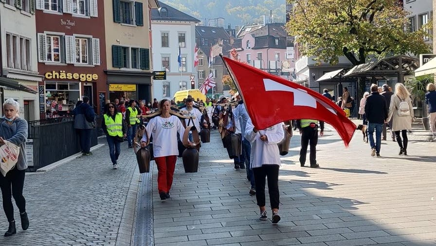 Demonstranten versammeln sich heute in Baden: Die Kundgebung startet beim Löwenbrunnen
