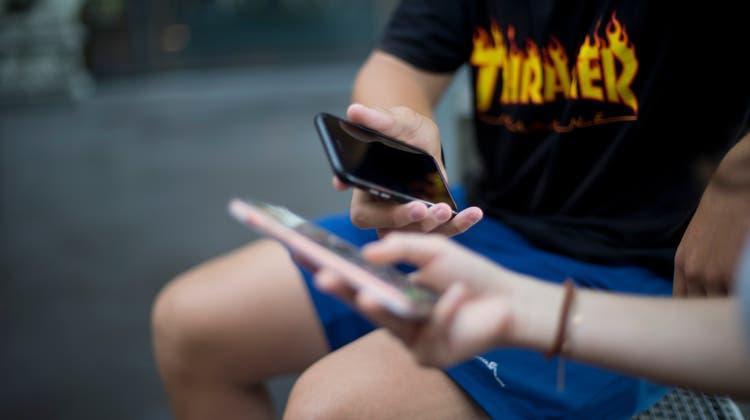 Diese Spam-SMS erhalten aktuell Tausende Schweizer. (Bild: watson)