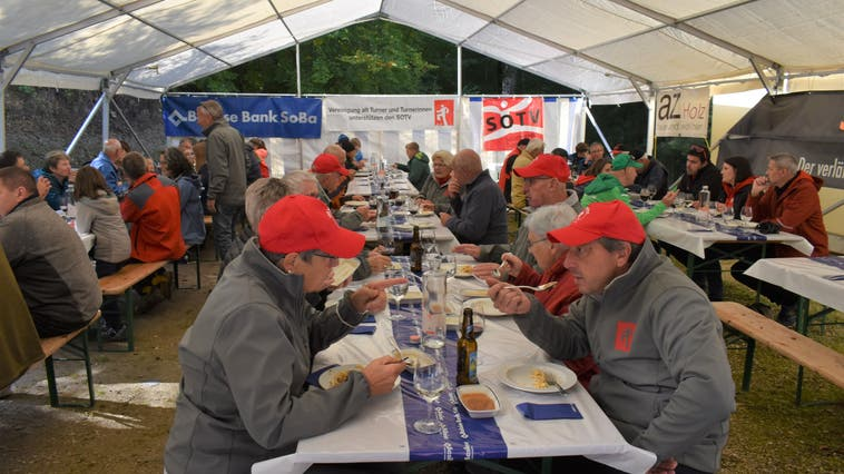 Baumpflanzaktion von 200 Traubeneichen vom 16. Oktober 2021 in Büren SO