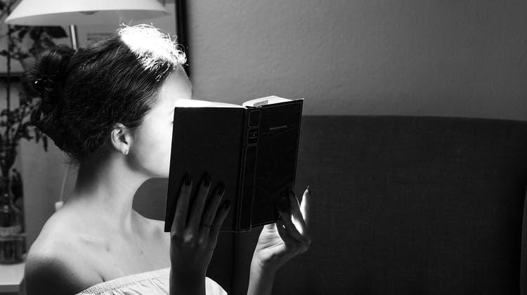 """Wer versteckt sich hinter dem Pseudonym """"Carmen Mola""""? Am Freitagabend wurde das Geheimnis gelüftet. (Unsplash)"""