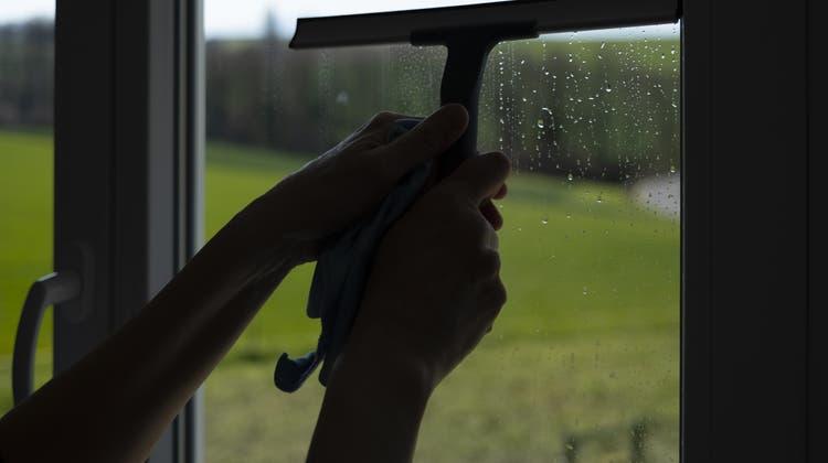 Opfer von Ausbeutung arbeiten auch in Privathaushalten, auf der Baustelle oder in der Gastronomie. (Symbolbild) (Keystone)