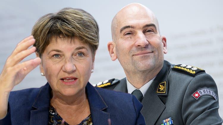 Armeechef Thomas Süssli, Verteidigungsministerin Viola Amherd: Loch von 100 Millionen wirft Fragen auf. (Keystone / Montage: kob)