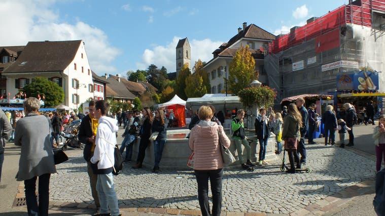 In Gelterkinden– im Bild der Dorfplatz – wird Ende September ein neues Exekutivmitglied gewählt. (Ursi Roth)