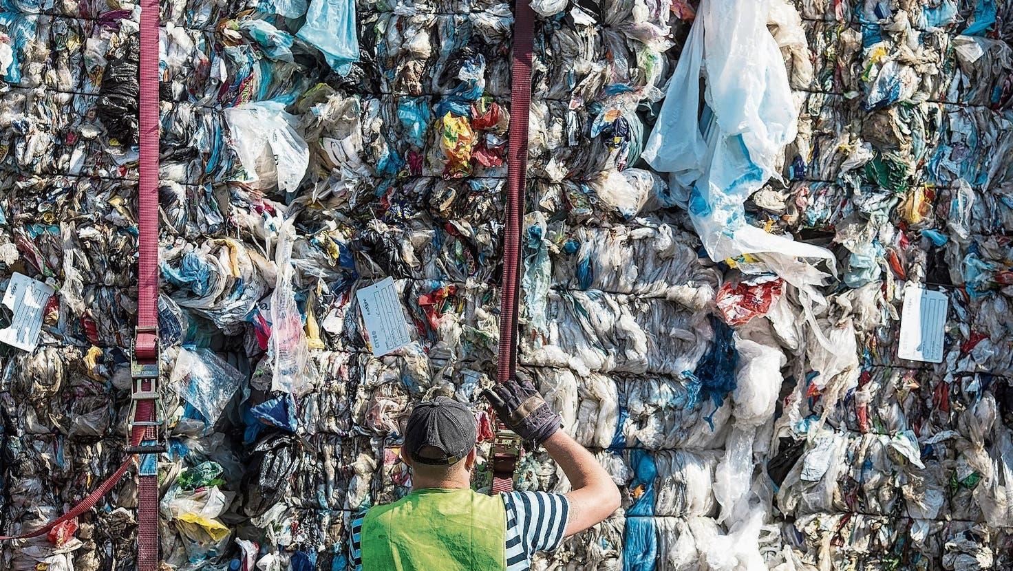 Plastiksammelsack stösst auf Anklang – nun wird das System ausgeweitet