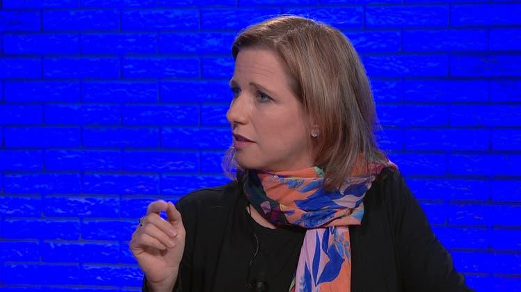 Christa Markwalderlanciert eine neue Debatte im Corona-Diskurs: Soll es bald keine Gratis-Impfungen mehr geben? (Bild: Keystone)