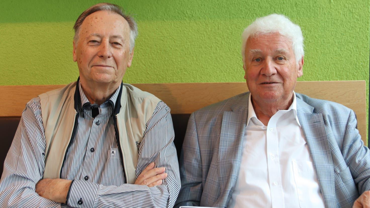 Gleicher Vorname, gleiches Alter, lange gemeinsame Erfahrung: Willi Kaiser und Willy Haderer erzählen vom Swissair-Grounding aus ihrer Sicht. (Lydia Lippuner)