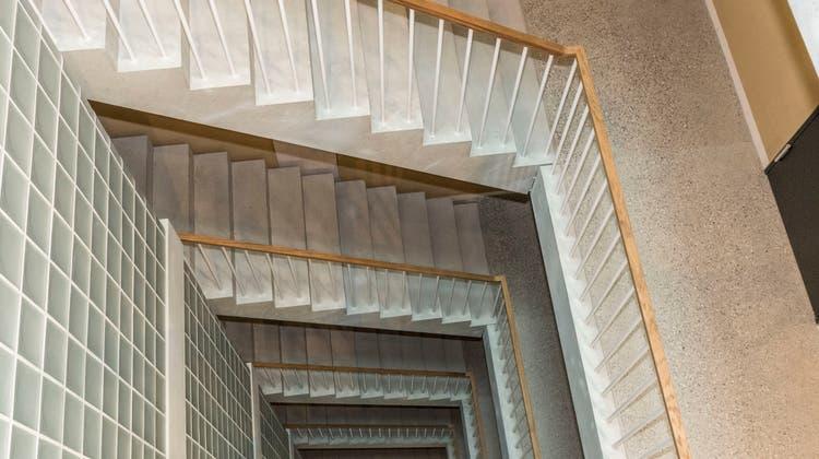 Blick ins Treppenhaus des neuen AUE-Sitzes am Fischmarkt. (Bild: Nicole Nars-Zimmer)