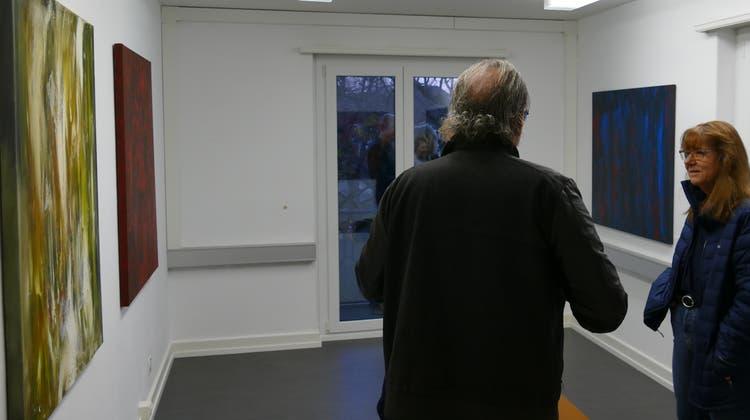 In Dietikon können Besucherinnen und Besucher bereits zum dritten Mal Kunst in leerstehenden Büros erkunden. (zvg)