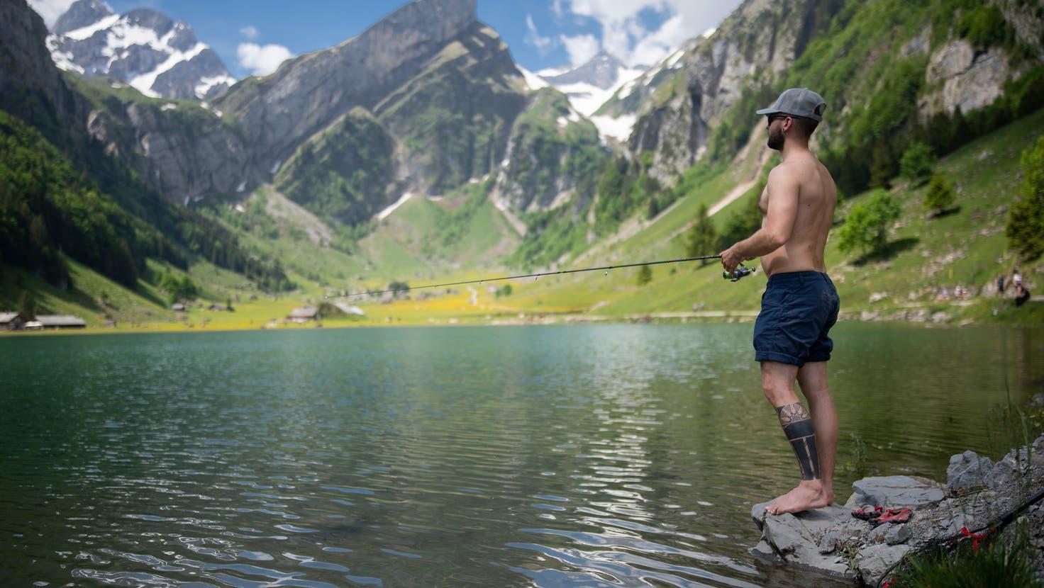 Im Sommer 2021 war das Wetter eher zum Fischen geeignet als zum Wandern. (Benjamin Manser)