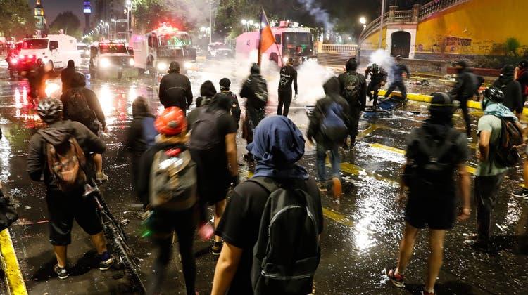 Heftige Proteste in Chile. (Keystone)