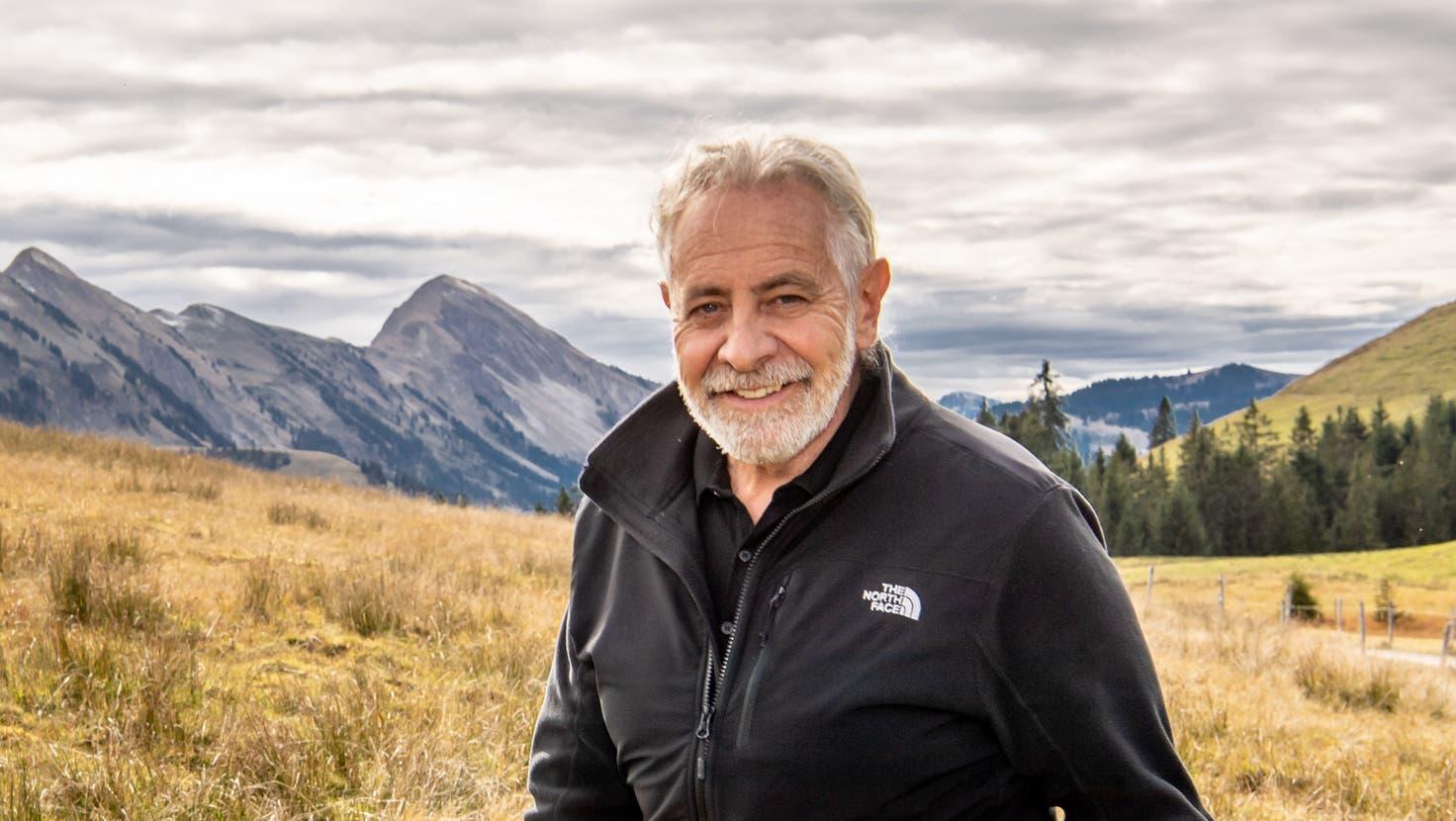 Erfahrener Fachmann mit Weitblick: Für seine Verdienste um den Entlebucher Tourismus wurde Theo Schnider – hier auf der Alp Silwängen am Fusse der Schrattenfluh – 2019 mit dem Tourismus Award ausgezeichnet. (Bild: Nadia Schärli (Flühli, 19. Oktober 2021))