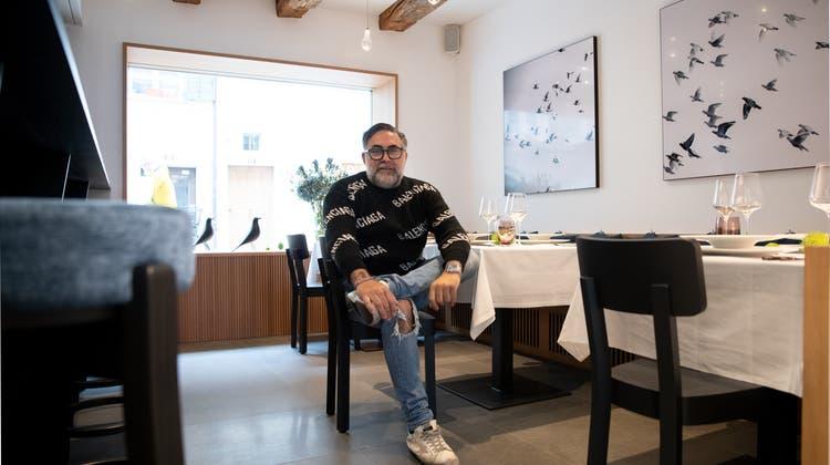 Das Team um Chef Giovanni Melis haucht dem Restaurant Taube neues Leben ein. (Bild: Matthias Jurt (Zug, 19. Oktober 2021))
