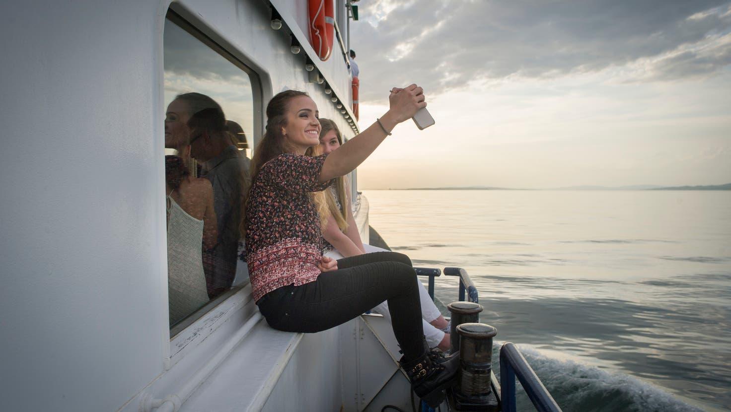 Ein Selfie gehört dazu: unterwegs auf dem Schiff«Thurgau». (Bild: Benjamin Manser)