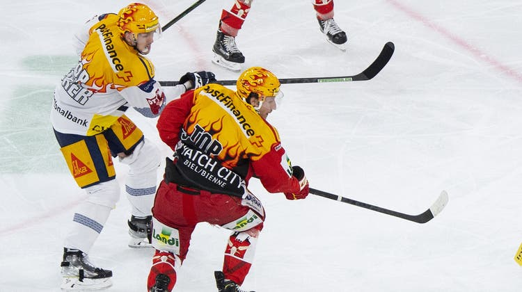 Biels MichaelHügli feiert seinen Treffer. (Bild: Urs Lindt / Freshfocus (Biel, 2. Oktober 2021))